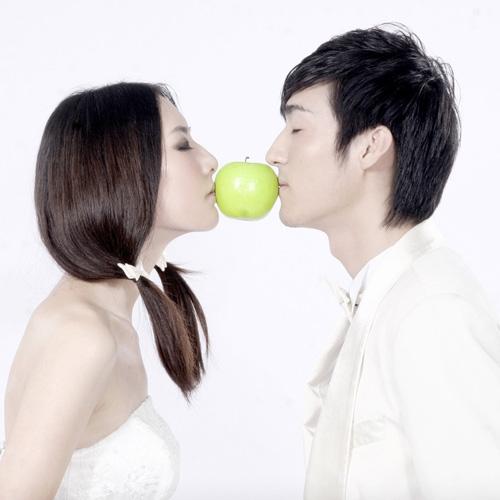 從親吻的部位看男人品格