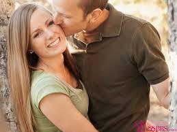 男人愛觸摸女人胸部的10條理由