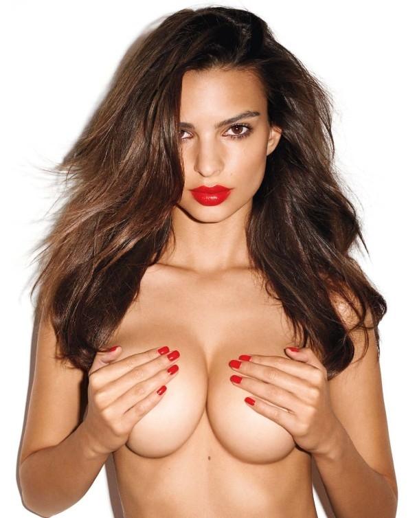 美模半裸大秀 香艳比基尼大玩情色诱惑