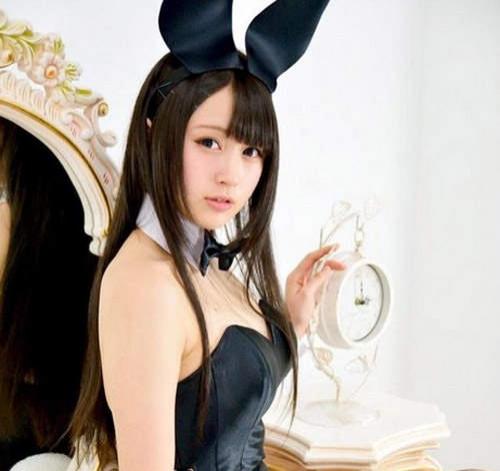 《兔女郎日》性感出沒鼻血流出注意中