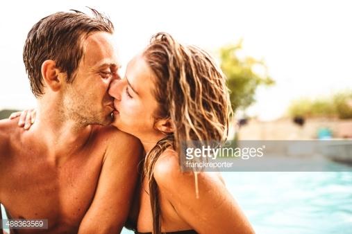 【手機約會APP推薦】深情吻技:發現隱藏在舌頭底下的柔軟祕境