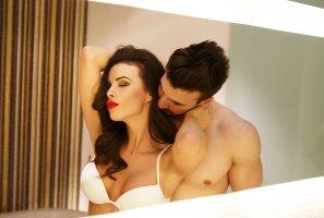 【手机聊天软体推荐】性爱诱惑心理学:学会一招让他对妳的身体着迷