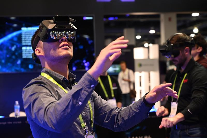 【手机聊天APP推荐】苹果 AR 技术怎么玩?分析师:明年推出「眼镜」公布答案