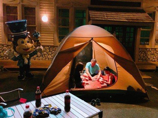【手機通話軟體推薦】「霓虹星空」一卡行李露營去 遊樂園超夯36小時玩法