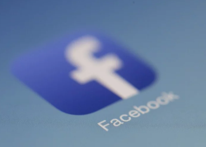 【電話聊天交友約會】又要出新招?臉書證實秘密測試新功能 未來照片可能這樣看