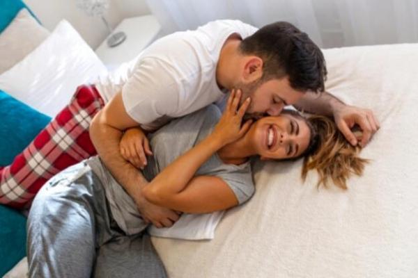 【手機交友APP推薦】有一種浪漫,是和你窩在沙發看電視後來點壞壞!