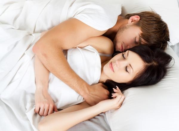 【手機交友APP推薦】「看了手機才知道⋯」男友和綠茶婊聊到床上去