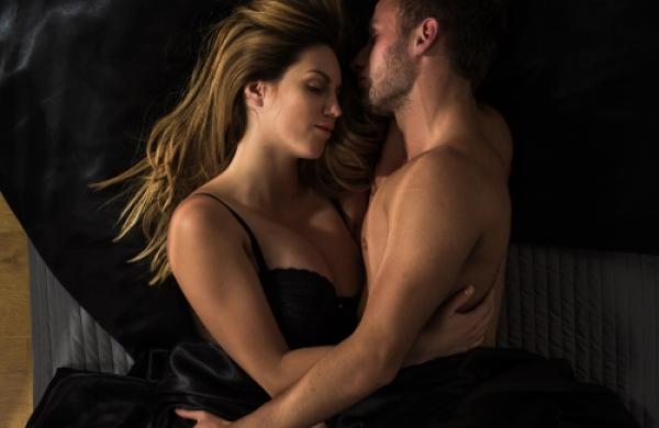 【手機約會APP推薦】性生活需要「實驗與探索」!盤點6個增加情趣的秘技,給妳此生難忘的愛愛體驗!